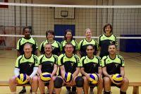 TuS_Volleyballer_in_neuen_Trikots